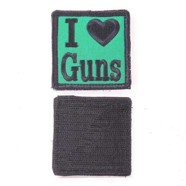 Шеврон I Love Guns квадрат 6 см зеленый/черный - фото 12874