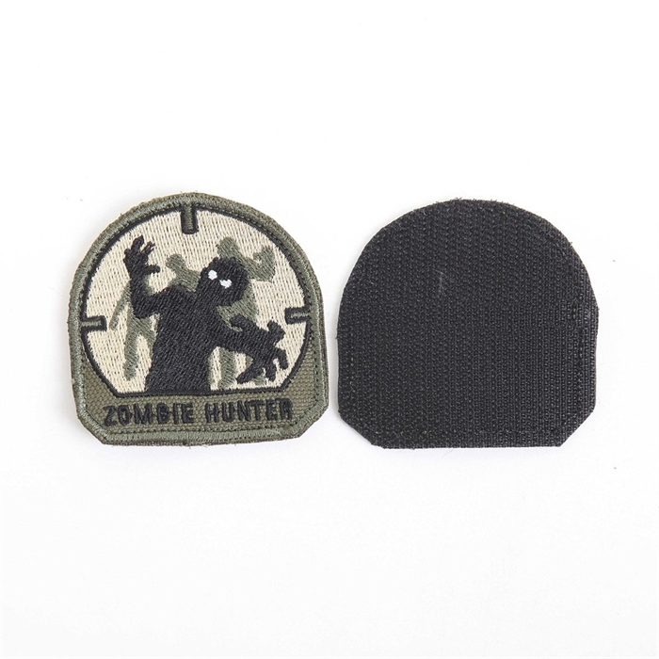 Шеврон Zombie Hunter 6х6 см черный/олива/бежевый - фото 12885