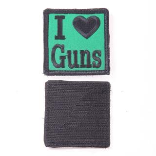 Шеврон I Love Guns квадрат 6 см зеленый/черный